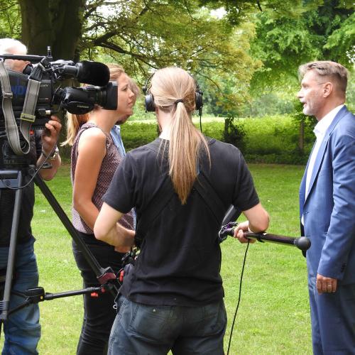 Presse-Raimo-Benger-im-NDR-Interview-zur-Rohstoffsituation-in-Schleswig-Holstein.jpg